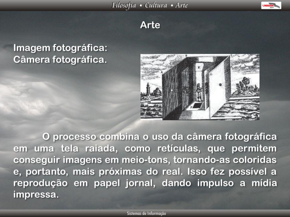 Arte Imagem fotográfica: Câmera fotográfica. Imagem fotográfica: Câmera fotográfica. O processo combina o uso da câmera fotográfica em uma tela raiada