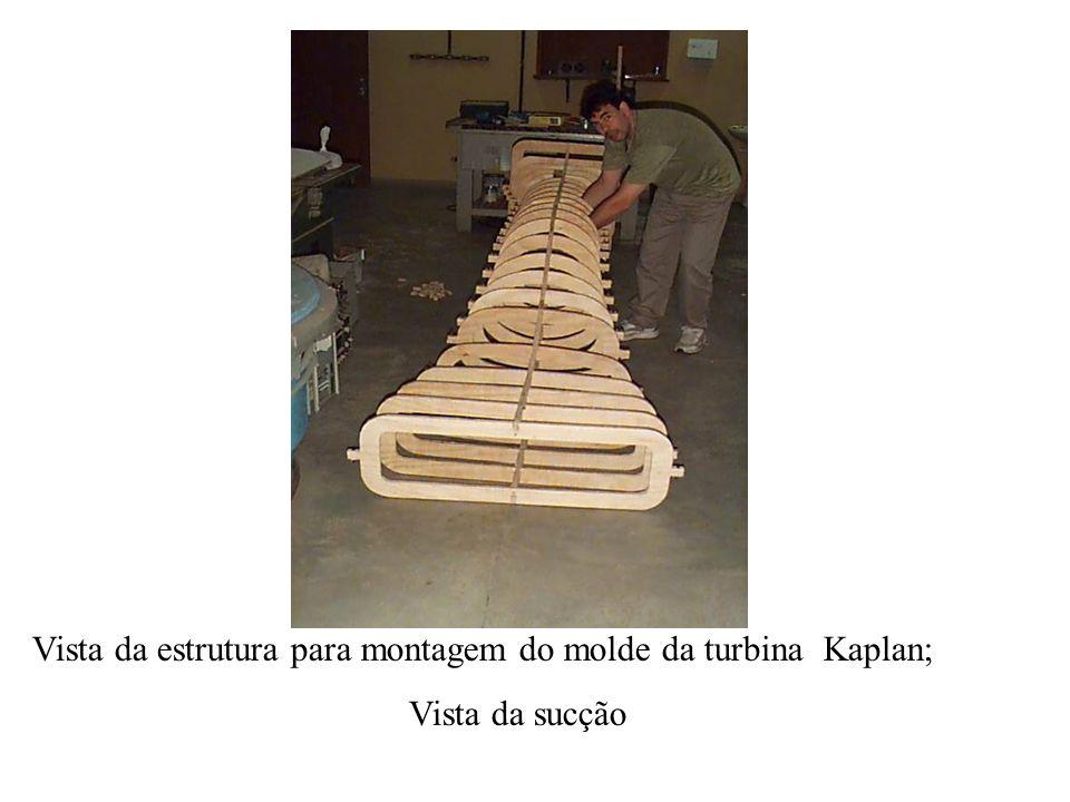 Vista da estrutura para montagem do molde da turbina Kaplan; Vista da sucção