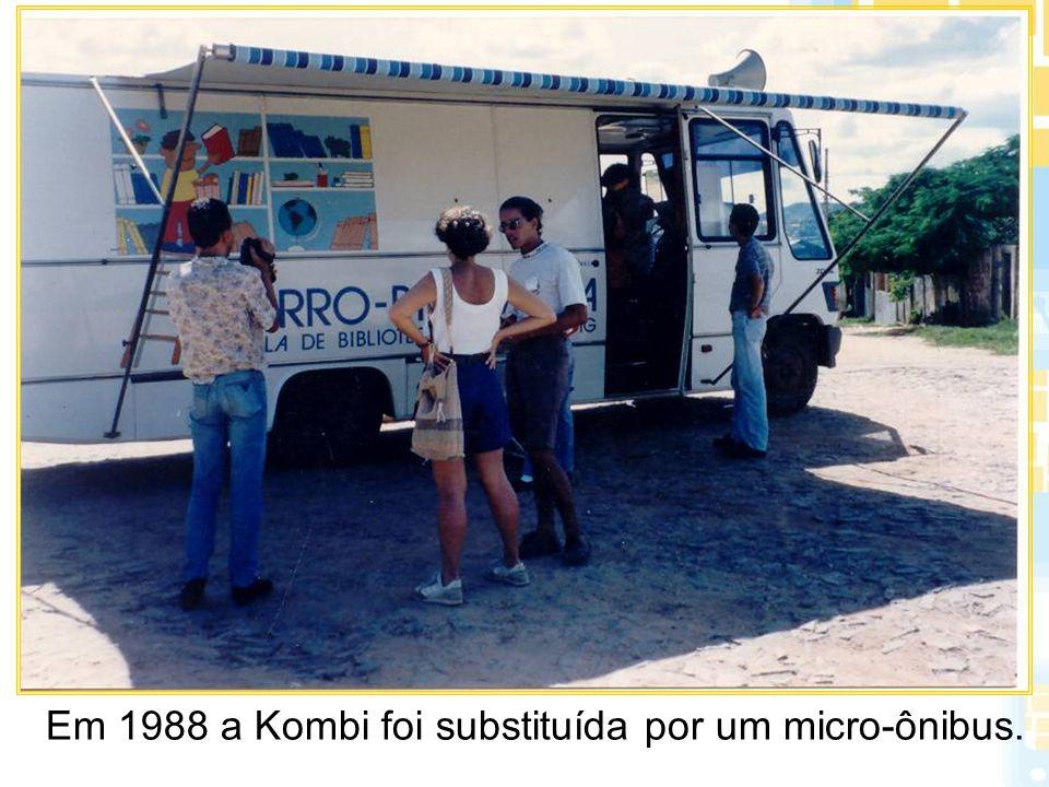 O bairro São Benedito (em Santa Luzia) é atendido pelo Carro- Biblioteca desde 1992.