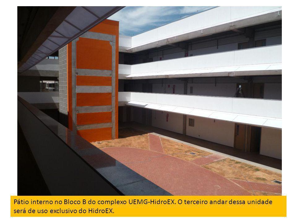 Pátio interno no Bloco B do complexo UEMG-HidroEX. O terceiro andar dessa unidade será de uso exclusivo do HidroEX.