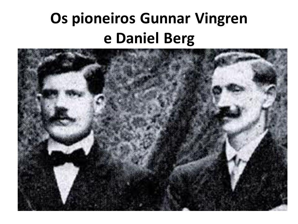 Nesta igreja, Gunnar Vingren começou a realizar culto de oração na casa de um irmão que havia sido batizado com o Espírito Santo, Adolfo Ulldin, que tinha o dom de profecia, foi usado para dizer a Gunnar e Daniel, que deveriam ir para o Pará,