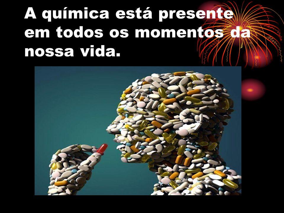 QUÍMICA NO COTIDIANO Medicamentos e Drogas.