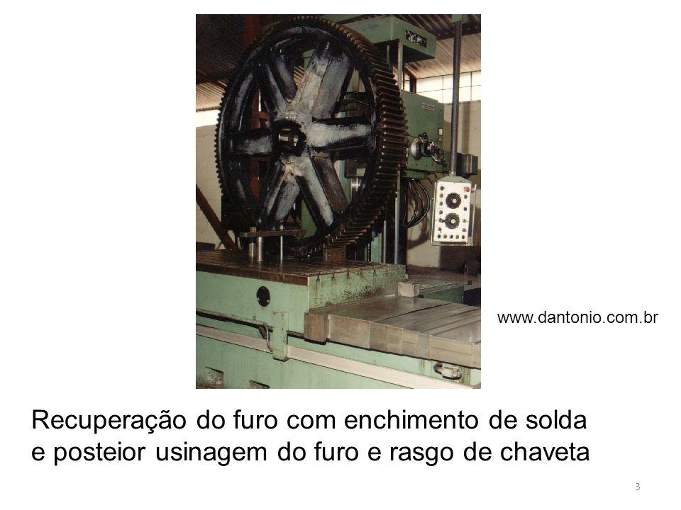 Recuperação de elementos de ferro fundido Abertura (chanfro) para deposição da solda O alto teor de carbono do FoFo endurece a primeira camada depositada.