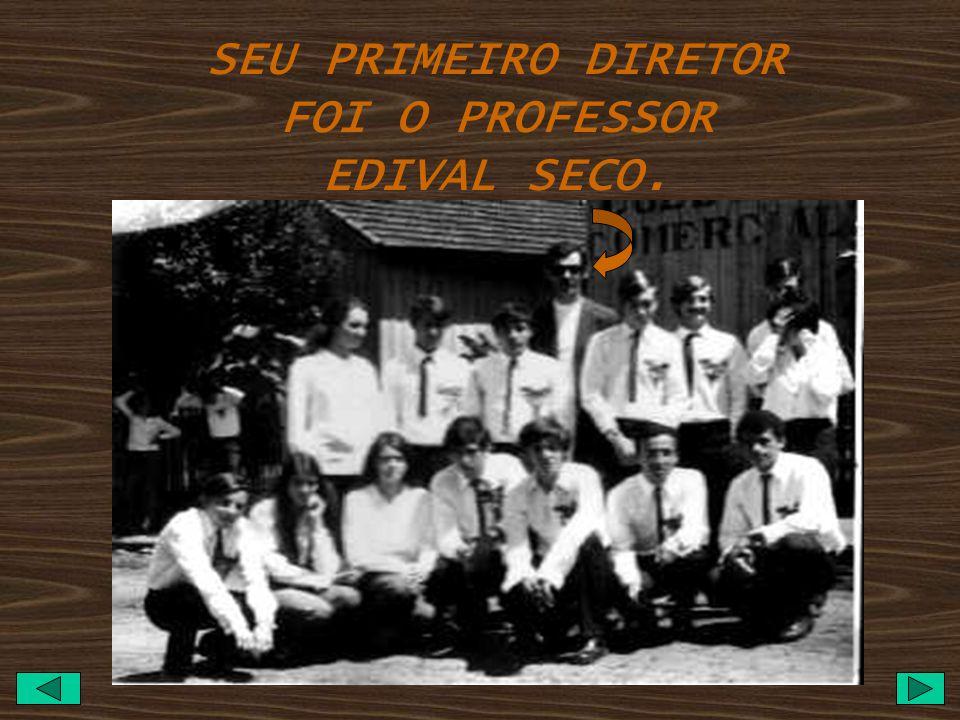 EM DEZEMBRO DE 1968 FOI CRIADO O COLÉGIO COMERCIAL DE SÃO PEDRO DO IVAÍ FUNCIONOU ATÉ 1972 A RUA ABILIO CHAVES, COM O CURSO TÉCNICO EM CONTABILIDADE