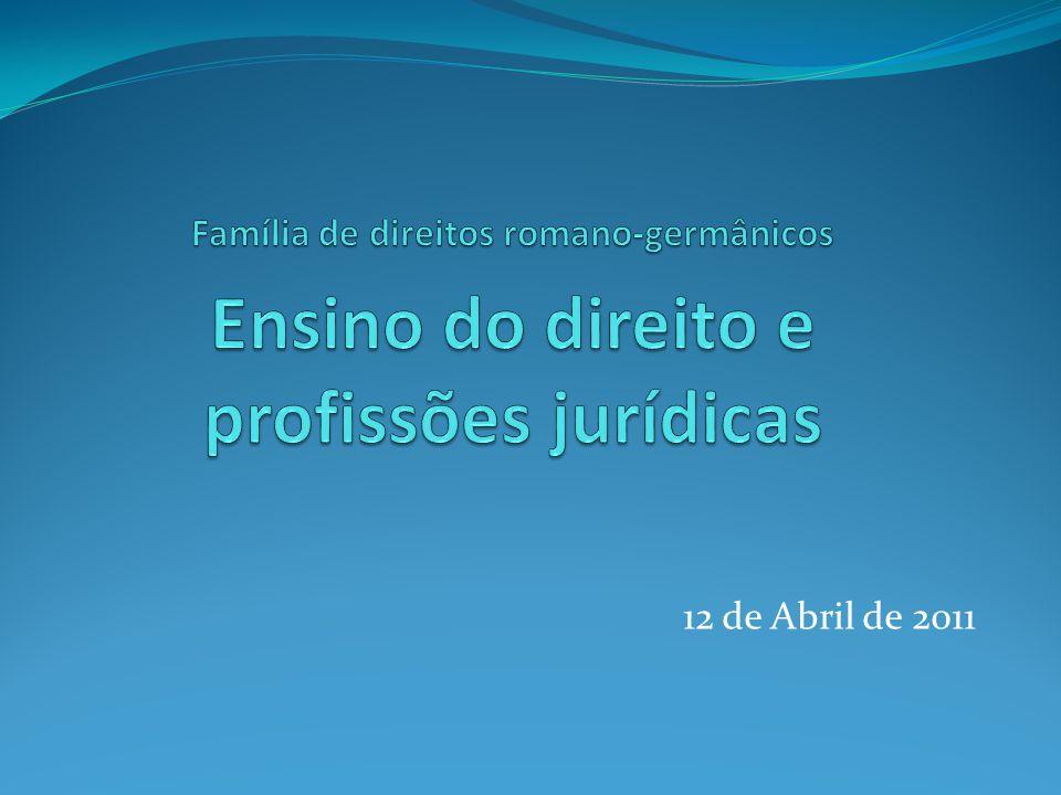 Ensino do direito Principais profissões jurídicas só podem ser exercidas por quem tenha uma licenciatura em direito.