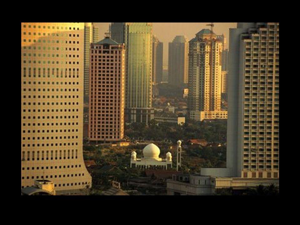 Família Jurídica do Direito Islâmico Âmbito pessoal Base religiosa Imutável e Tendência Uniforme Pluralidade de fontes Conclusões