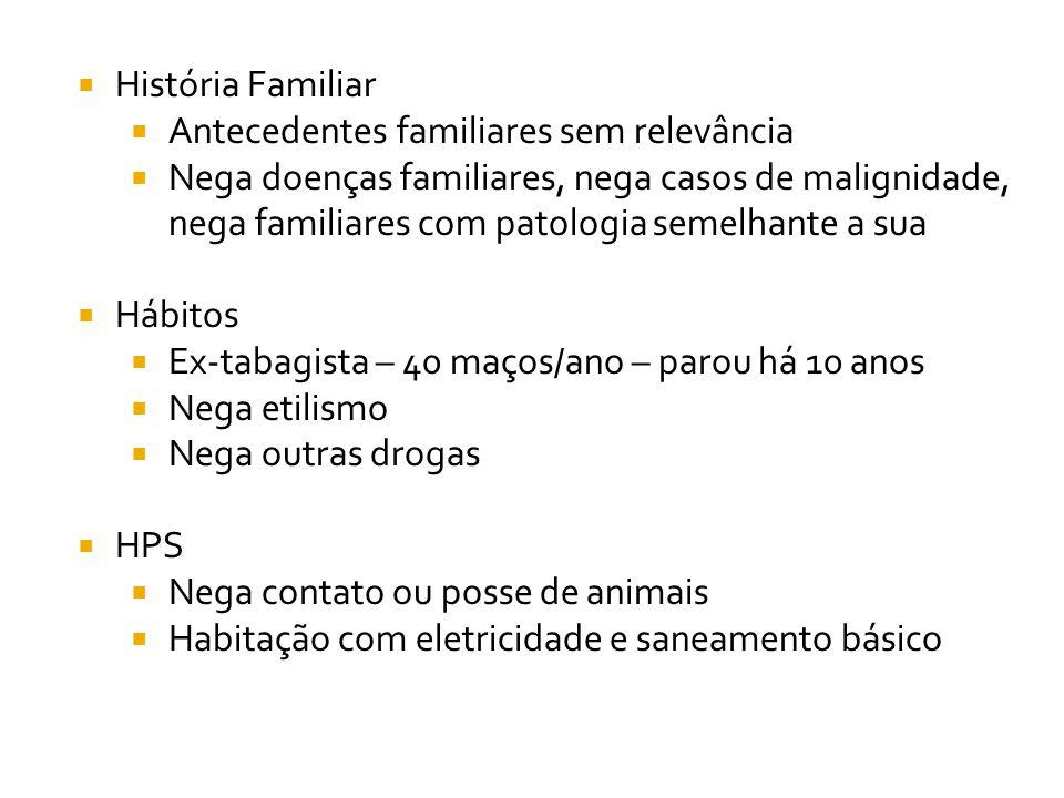 BEG, LOTE, hidratado, hipocorado +/4, PA 150/90, FR 104, Tax 36,7 °C, FR 24, SatO2 96 %, acianótico, anictérico Sem adenomegalia.