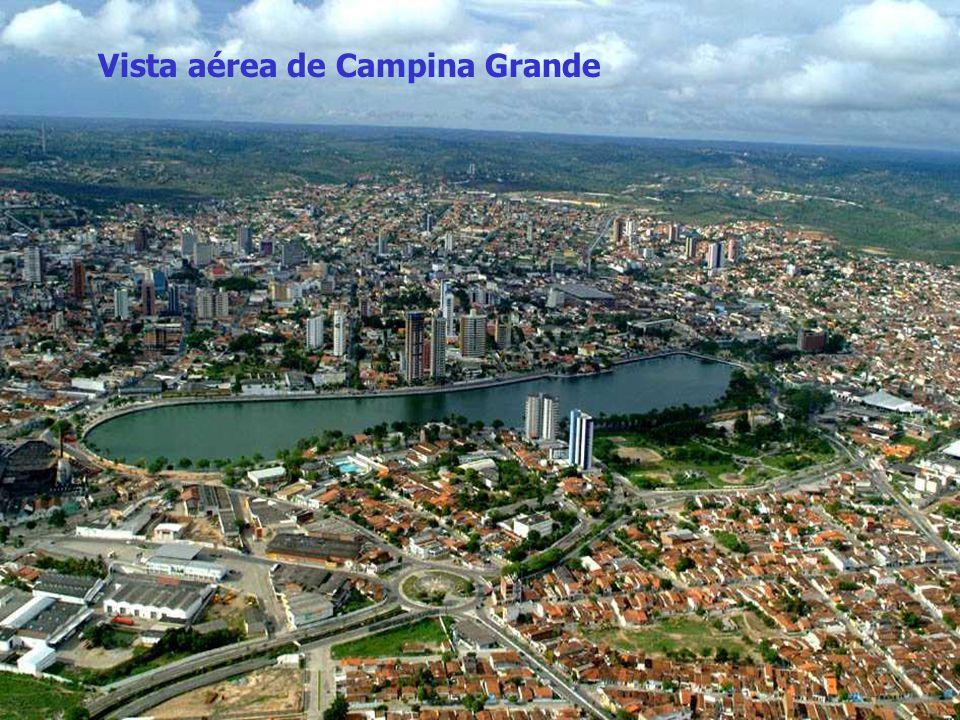 A urbanização do município tem um forte vínculo com suas atividades comerciais desde as primor dias até hoje. Primeiramente o município foi lugar de r