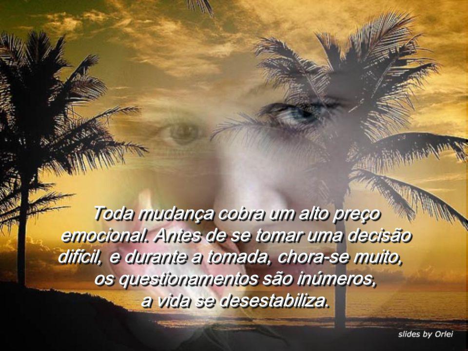 Uma outra cansou da pauleira urbana e trocou um baita emprego por um não tão bom, só que em Florianópolis, onde ela vai à praia sempre que tem sol.