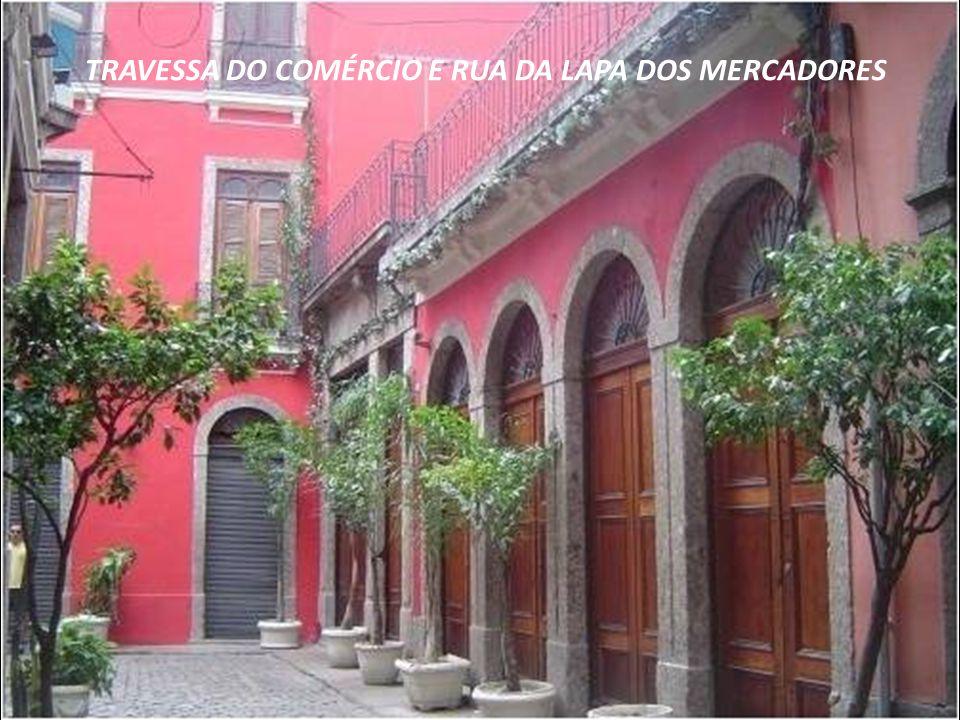 O ARCO DO TELES é datado do século XVIII. A antiga residência setecentista pertencia à família Teles de Menezes. O Arco dá acesso à Travessa do Comérc