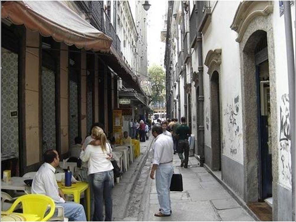 O BECO DOS BARBEIROS está localizado entre as ruas do Carmo e Primeiro de Março.