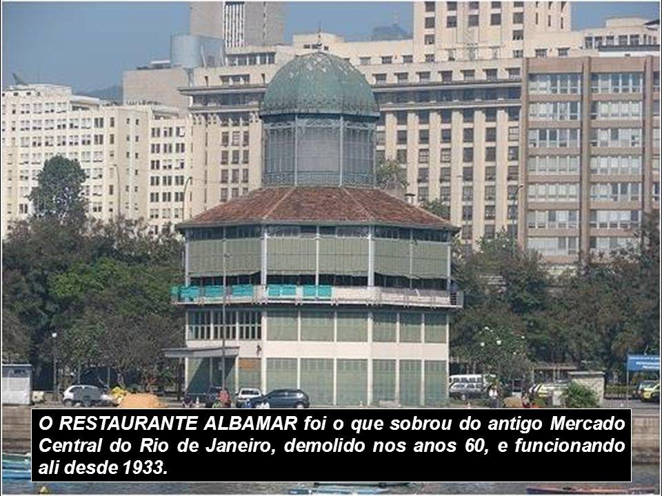 O MUSEU HIST Ó RICO NACIONAL, localizado na antiga Ponta do Calabou ç o, ocupa duas edifica ç ões: a Casa do Trem constru í da em 1762 e o Arsenal de