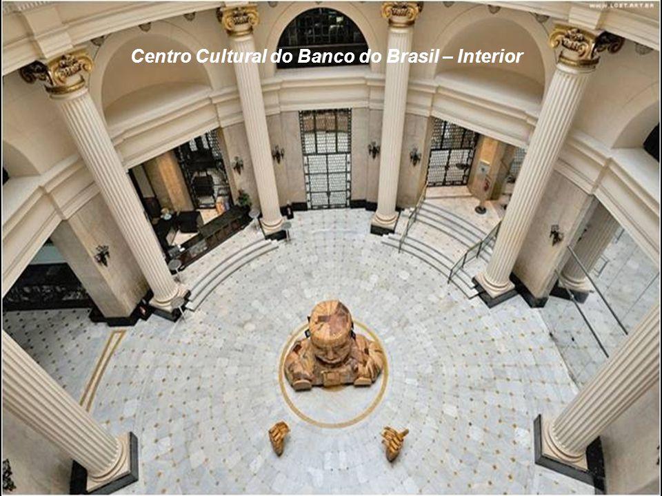 O CENTRO CULTURAL DO BANCO DO BRASIL construído em 1880, foi sede do Banco e da Associação Comercial do Rio de Janeiro. A partir de 1989 ganhou status