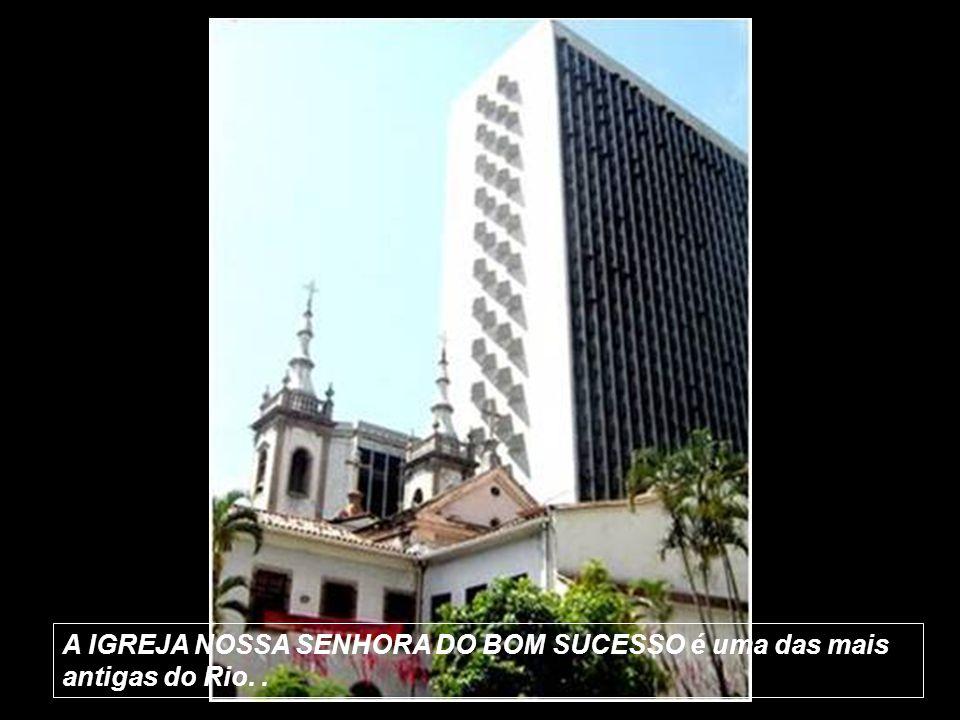 A construção da IGREJA DE SÃO JOSÉ foi iniciada em 1808 e finalizada em 1842. Os sinos da Igreja são famosos por serem os mais sonoros da cidade.