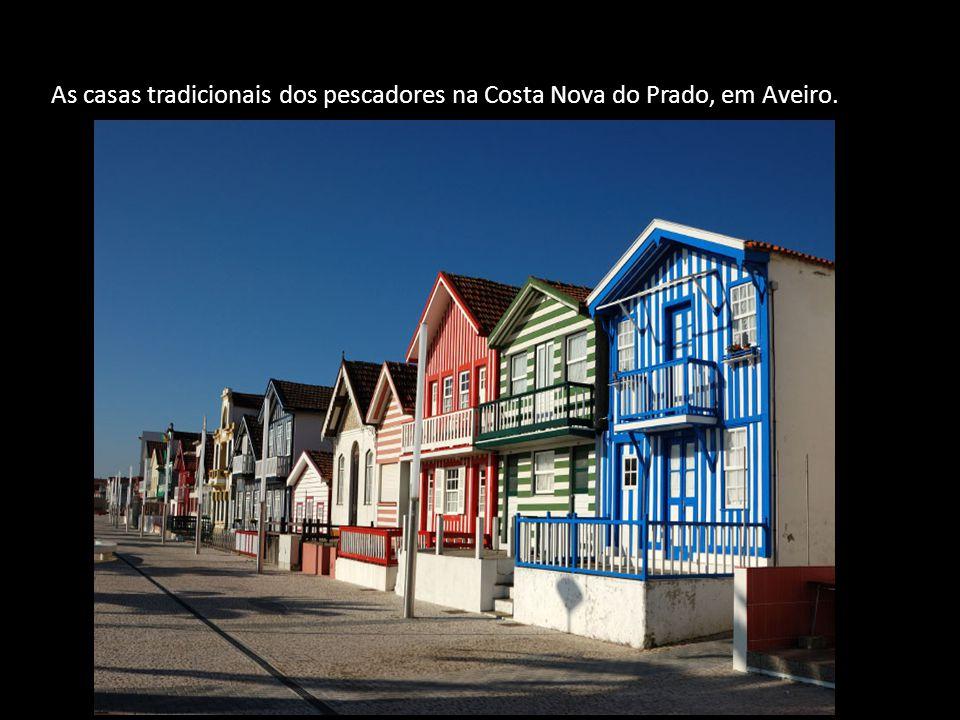 As casas tradicionais dos pescadores na Costa Nova do Prado, em Aveiro.