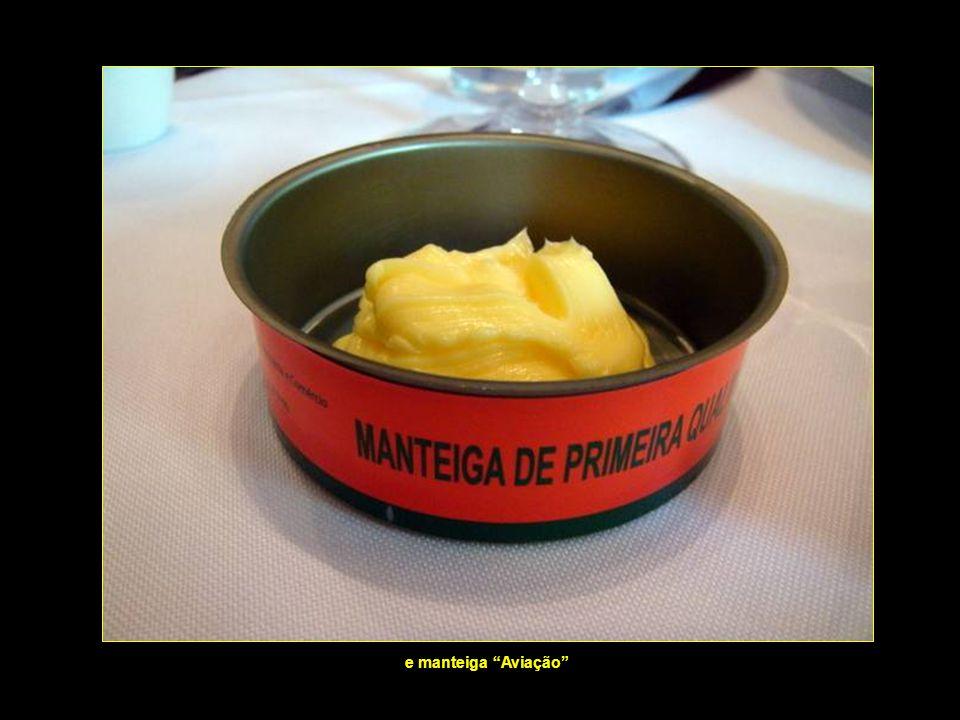 Início do jantar Pasta de alhos, creme de queijo...