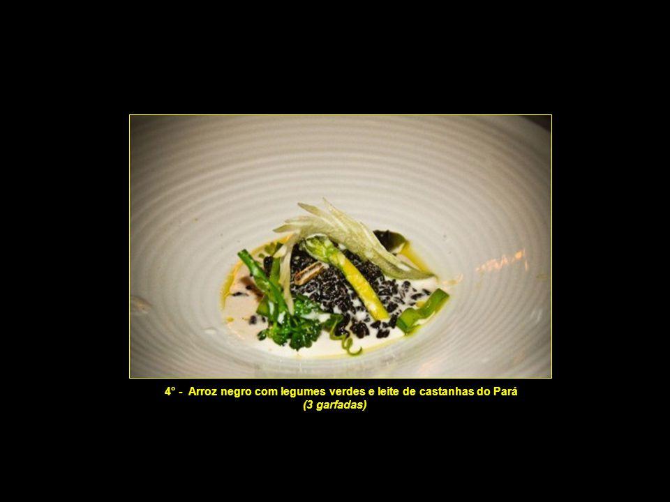 3° - Consomé de legumes tostados, quiabo assado, caviar frito e papel da baba do quiabo