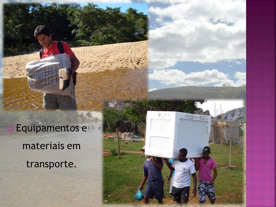 Equipamentos e materiais em transporte.