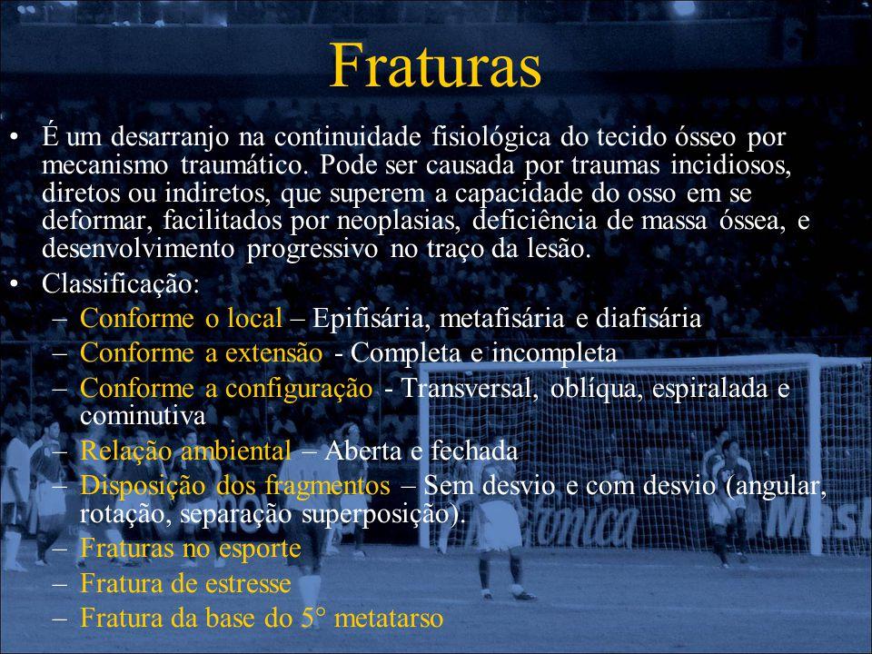 Fraturas É um desarranjo na continuidade fisiológica do tecido ósseo por mecanismo traumático. Pode ser causada por traumas incidiosos, diretos ou ind