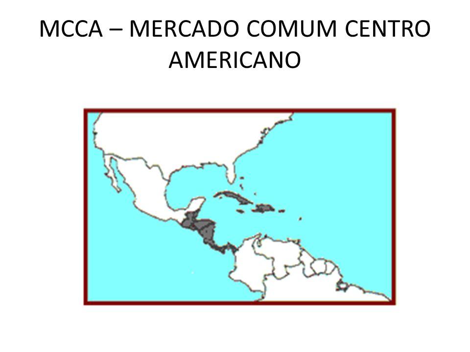 CANAL DO PANAMÁ 15 dias após a independência os EUA e o Panamá assinaram o Tratado que concedeu arrendamento perpétuo e total soberania sobre uma faixa de terras de 16 km aos EUA (do Pacífico ao Mar das Antilhas); O Panamá recebeu indenização de 10 milhões de dólares mais 250.000 por ano; As obras duraram dez anos – inauguração em agosto de 1914; Situação insustentável – a população reage; Em 1964, 21 estudantes são mortos tentando hastear a bandeira do Panamá no Canal;
