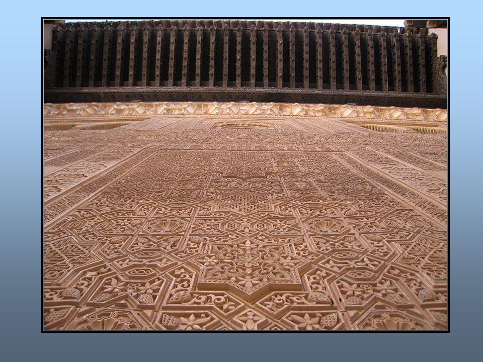 O mundo árabe após Maomé Maomé morre em 632 d.C.com 62 anos de idade.