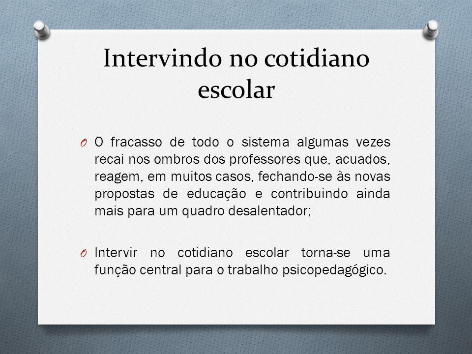 Interação e confiança O Segundo Freitas (2004) para que se possa alcançar a construção de uma identidade profissional entre docentes é necessário que se fomente quatro ações.
