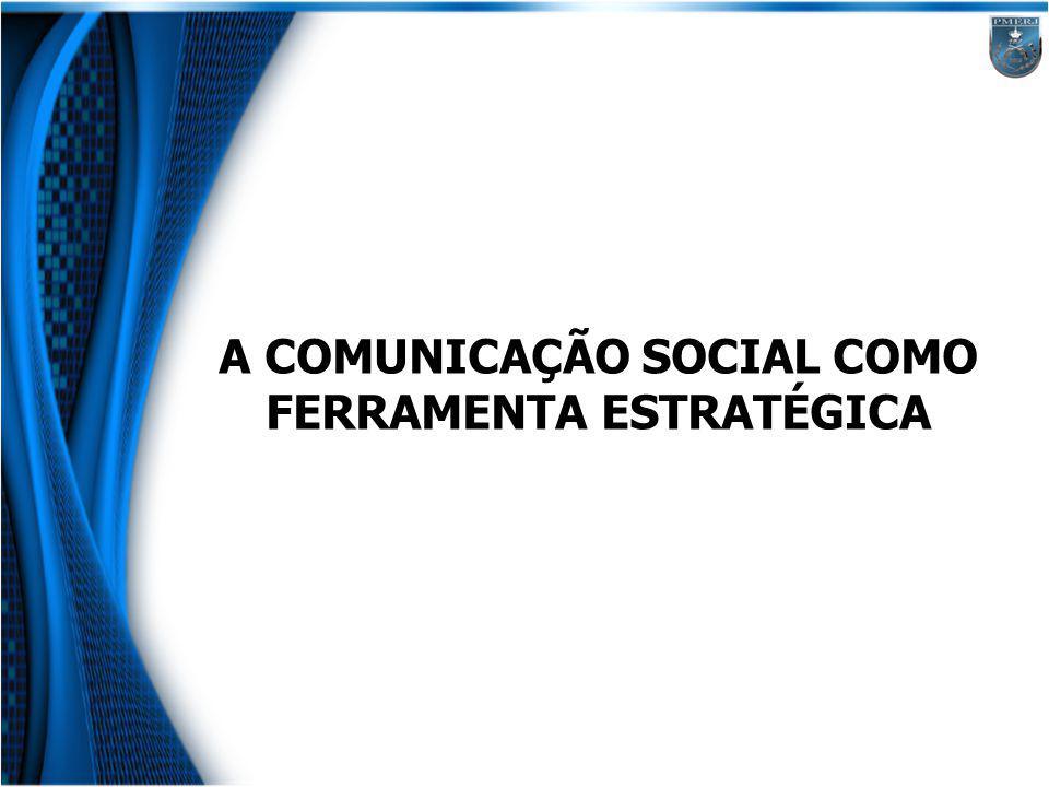 A comunicação estratégica O papel estratégico da comunicação é auxiliar internamente, motivando os empregados a uma ação produtiva e, externamente, ajudando a posicionar a empresa junto aos públicos externos.