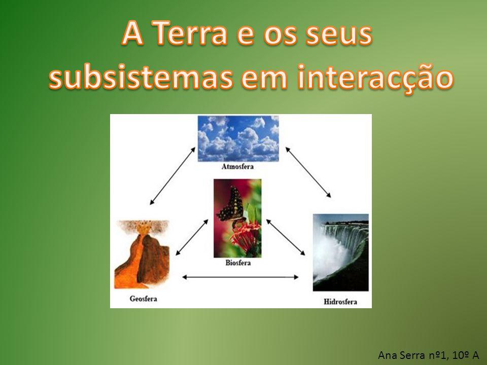 Um sistema composto é constituído pela união de vários subsistemas que estabelecem relações entre si.