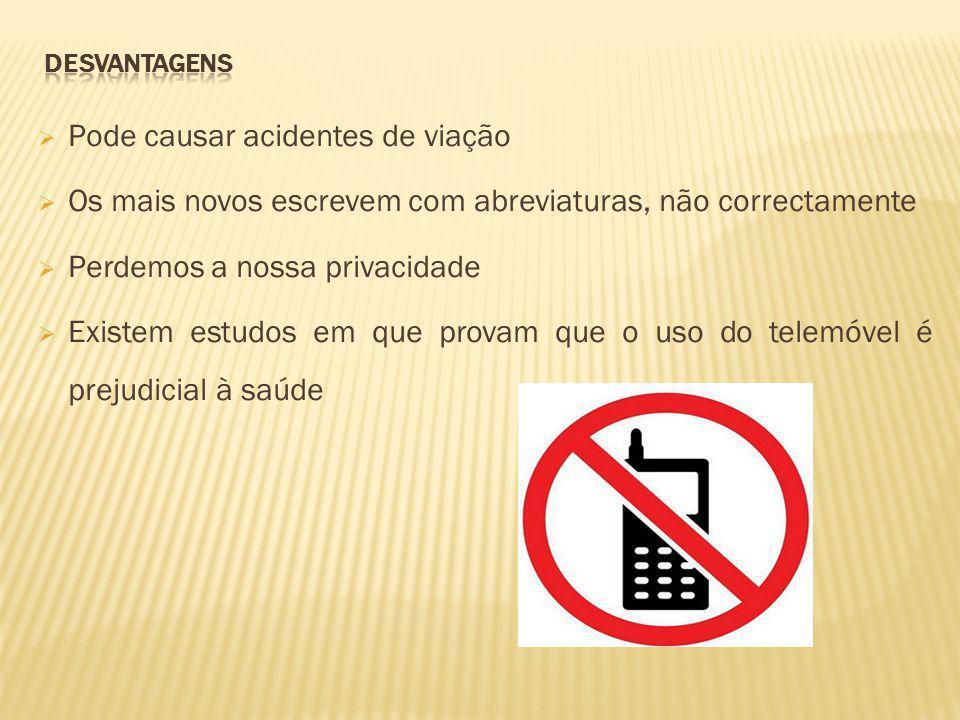 O telemóvel é um objecto muito útil.Quase todas as pessoas têm um.