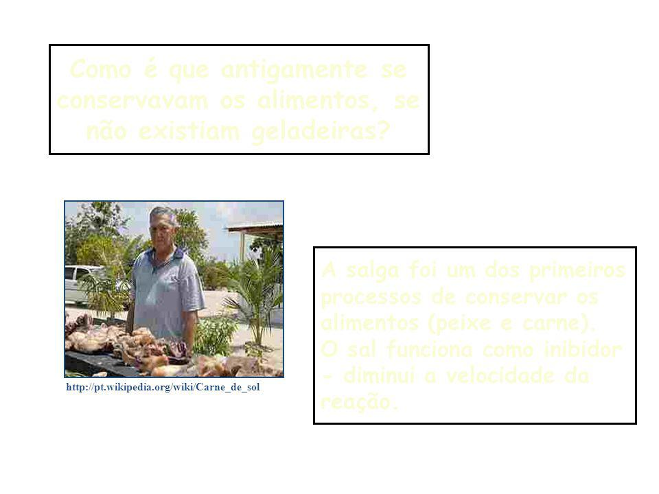 Características dos catalisadores a) Aumentam a velocidade das reações; b) Não são consumidos durante as reações; c) Não iniciam reações, mas interferem nas que já ocorrem sem a sua presença; d) Podem ser utilizados em pequenas quantias, visto que não são consumidos; e) Seus efeitos podem ser diminuídos pela presença de venenos de catálise.