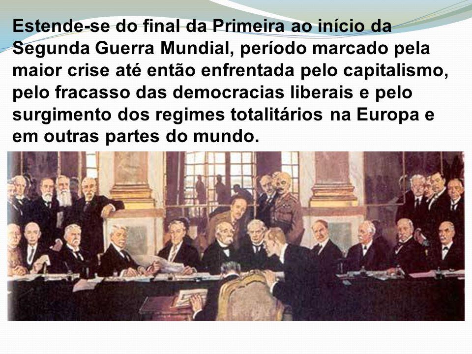Estende-se do final da Primeira ao início da Segunda Guerra Mundial, período marcado pela maior crise até então enfrentada pelo capitalismo, pelo frac