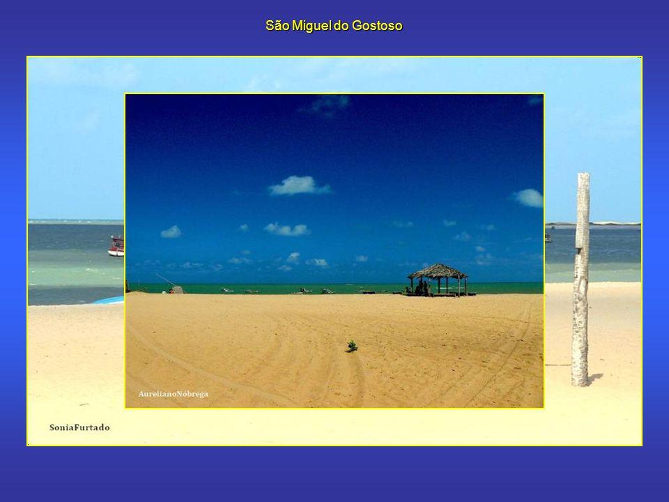 São Miguel do Gostoso São Miguel do Gostoso, a 112 km de Natal, tem atraído muitos turistas que buscam tranqüilidade e os ventos que sopram nessa região.