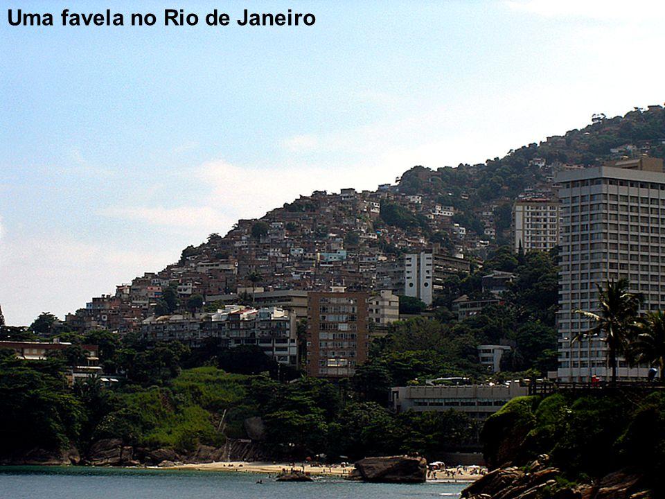 12 Uma favela no Rio de Janeiro