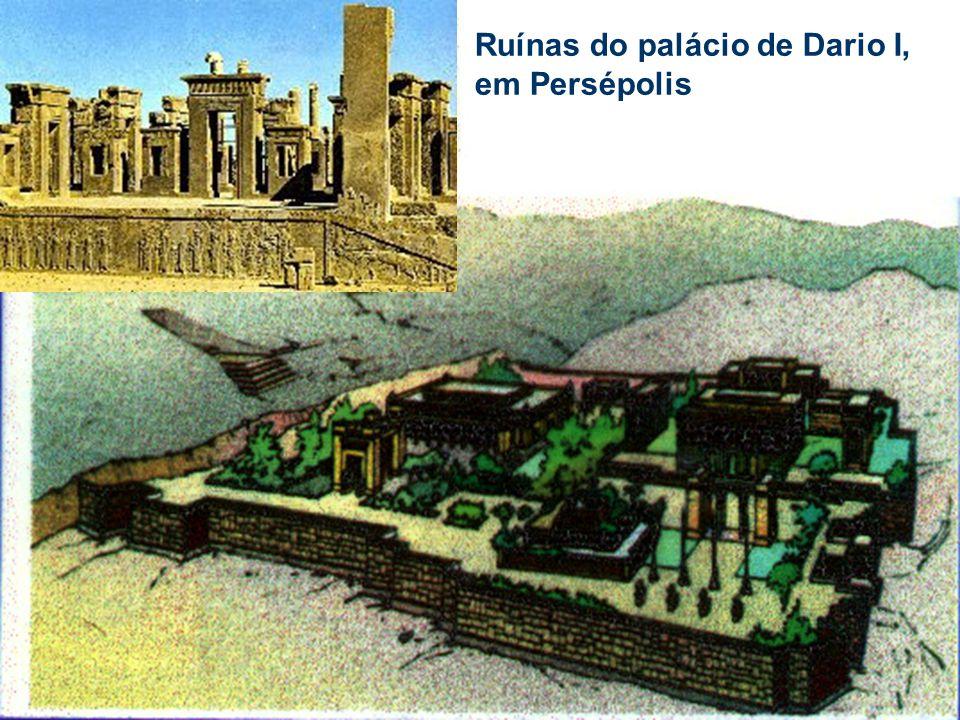 Ruínas do palácio de Dario I, em Persépolis