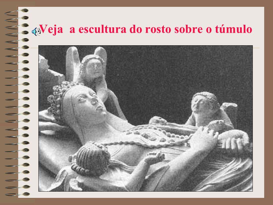 E construiu para ela o Mosteiro de Alcobaça; fez um túmulo para Inês e outro para ele, onde foi enterrado em 1367 (Inês morreu em 1355).