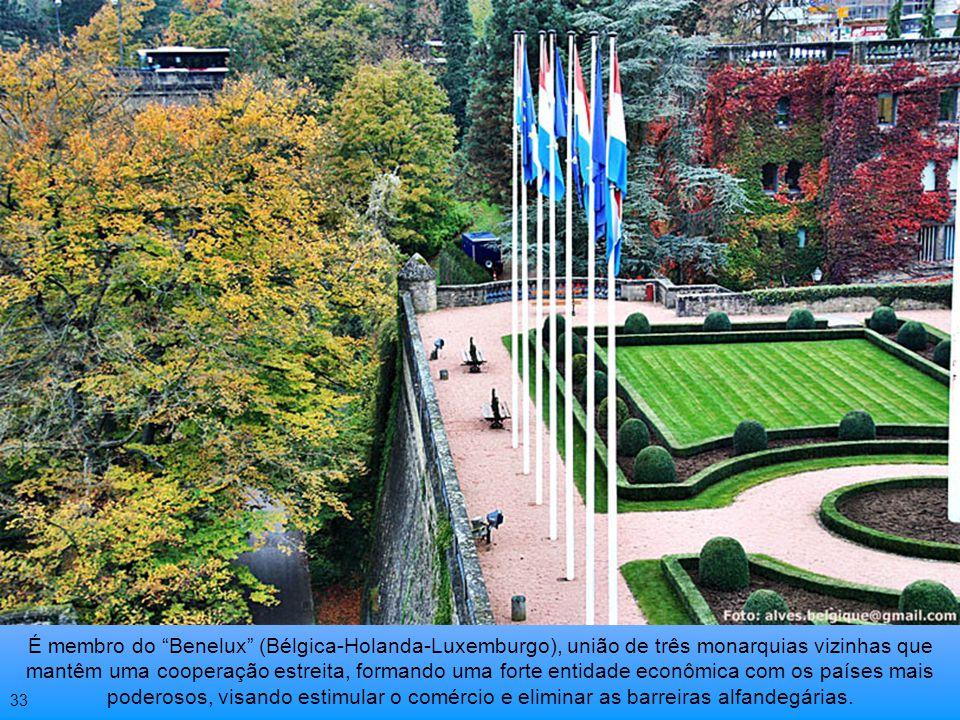 É um dos seis países membros fundadores do Tratado do Atlântico Norte = OTAN Sede da Prefeitura 32