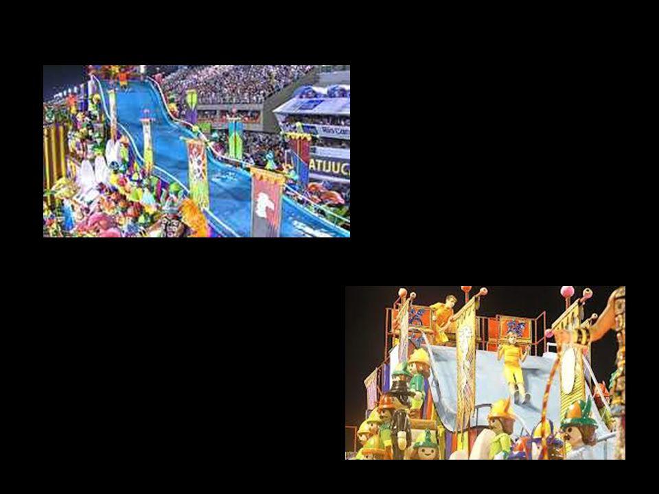 Para celebrar o ano da Alemanha no Brasil, a Unidos da Tijuca empolgou o público com muitas surpresas e efeitos especiais. A escola levou martelos que