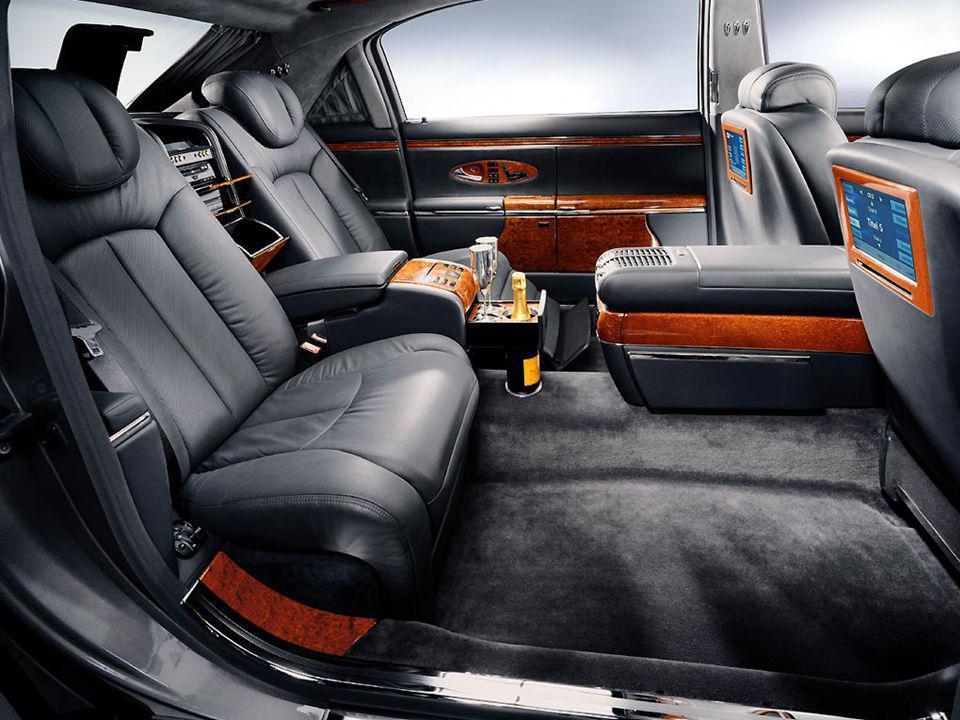 Os assentos tem uma função de massagem, com sete motores elétricos.