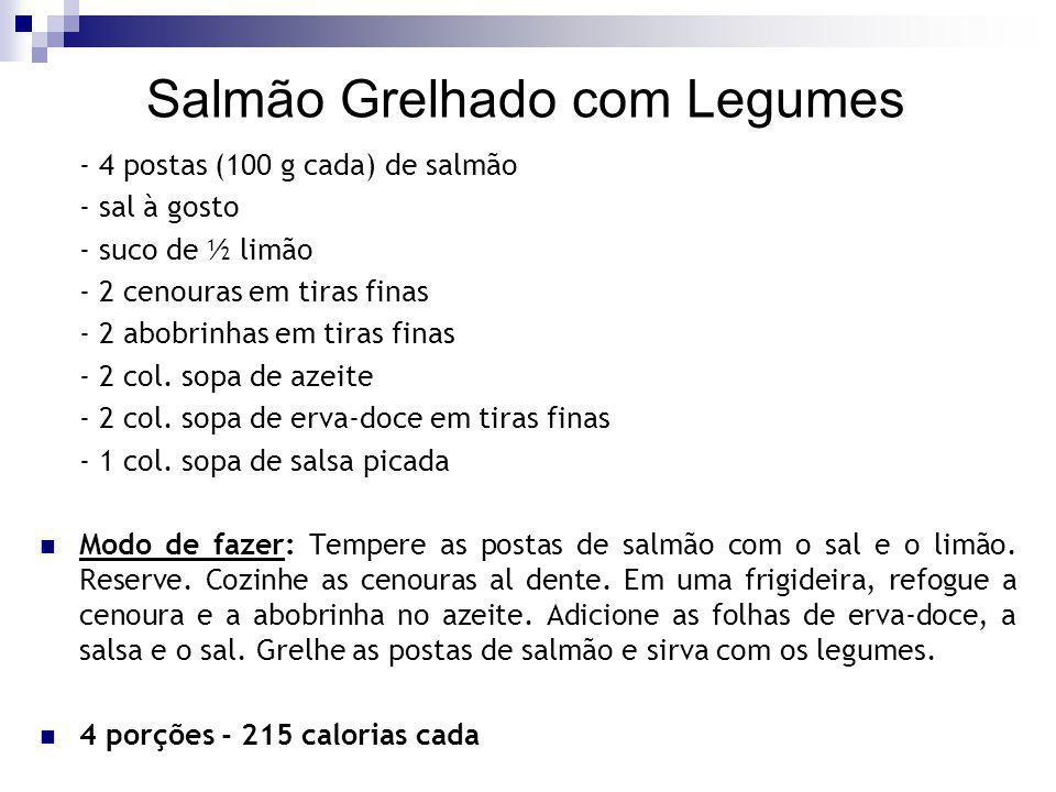 Salmão Grelhado com Legumes - 4 postas (100 g cada) de salmão - sal à gosto - suco de ½ limão - 2 cenouras em tiras finas - 2 abobrinhas em tiras fina