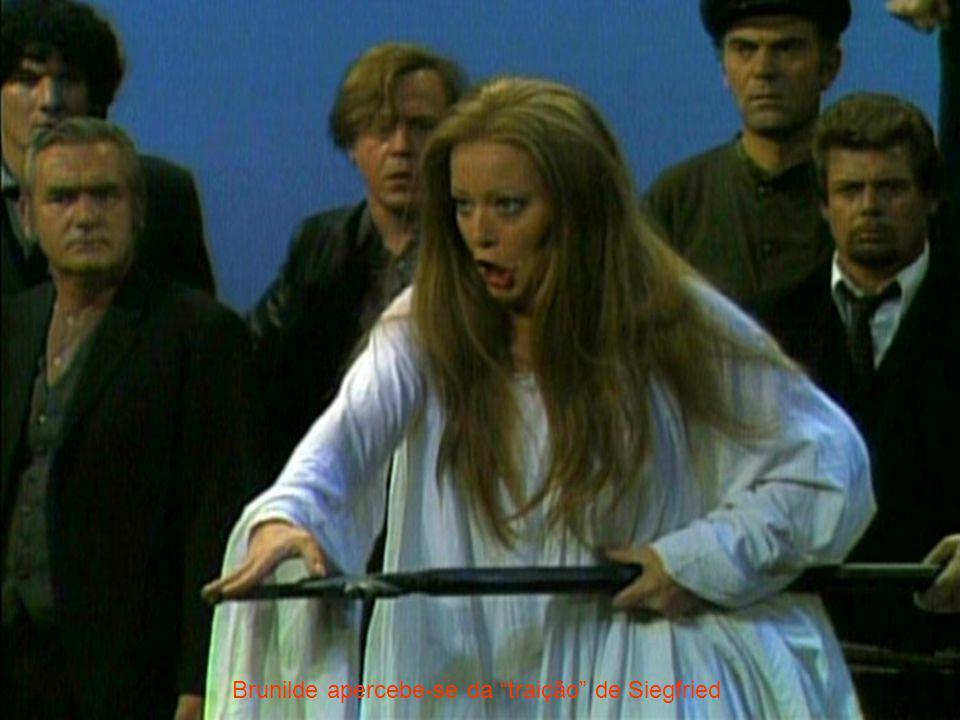 Brunilde apercebe-se da traição de Siegfried