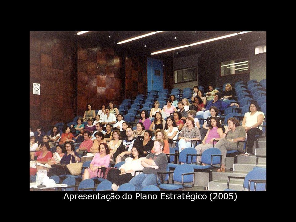 Biblioteca CEHC, da FEBF, Caxias (2007)