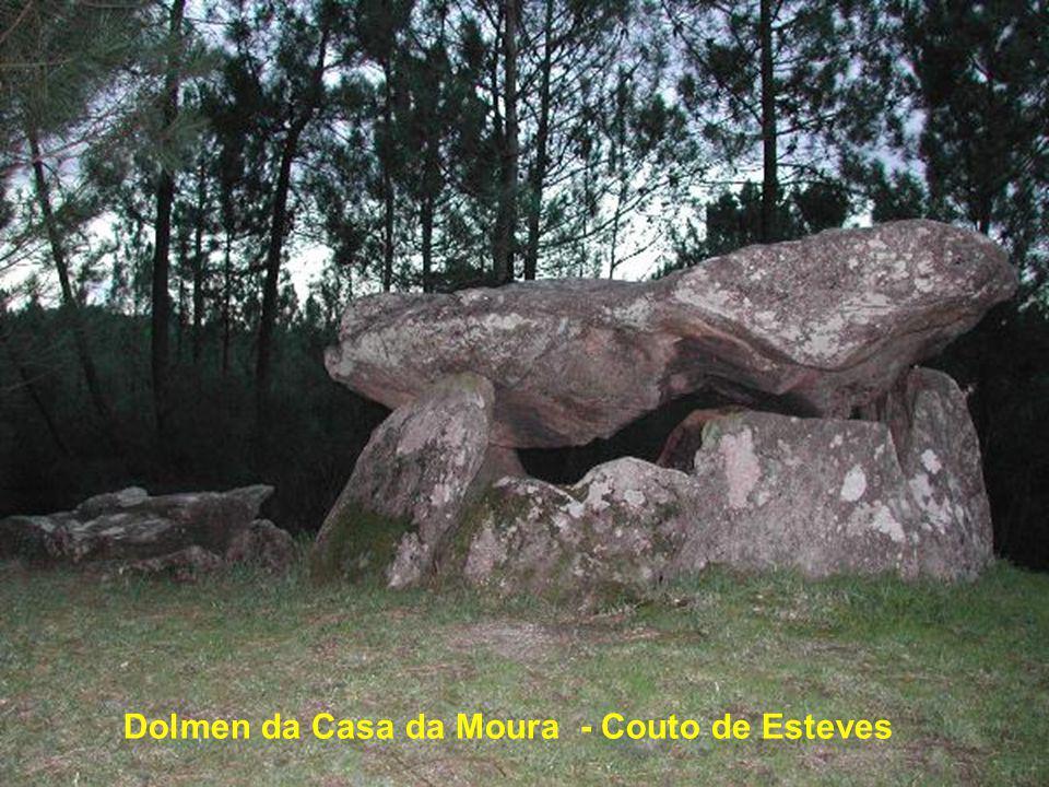 Anta da Arquinha da Moura - Tondela