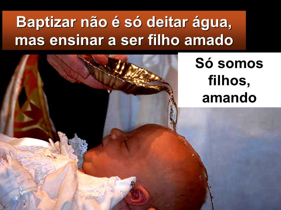 Baptizando-as em nome do Pai e do Filho e do Espírito Santo,