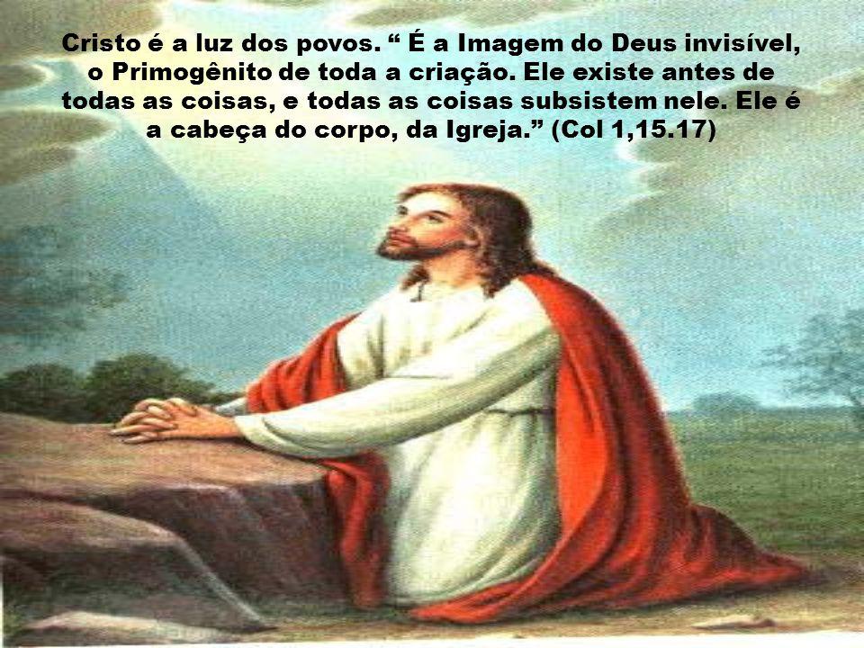 Na sua vida íntima, Deus é Amor, amor essencial, comum às três Pessoas divinas. Santo Agostinho diz: Deus é a Trindade, a Trindade é o único e só Deus