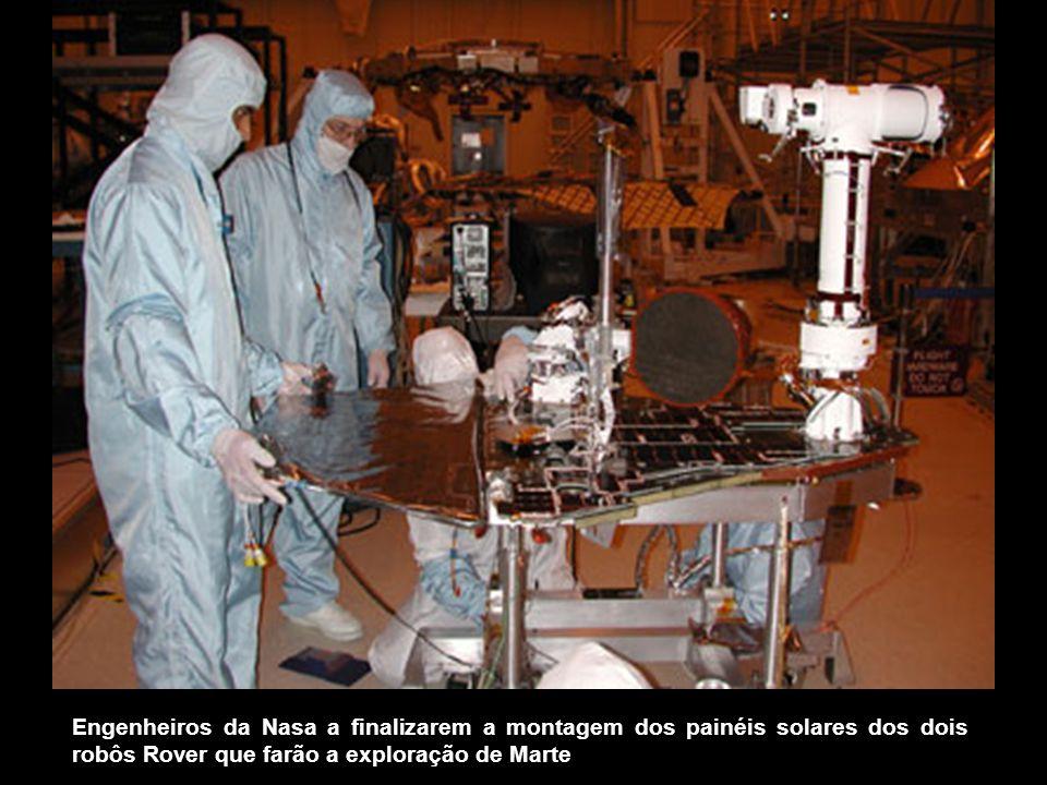 Rover 1 a ser testado durante a sua montagem
