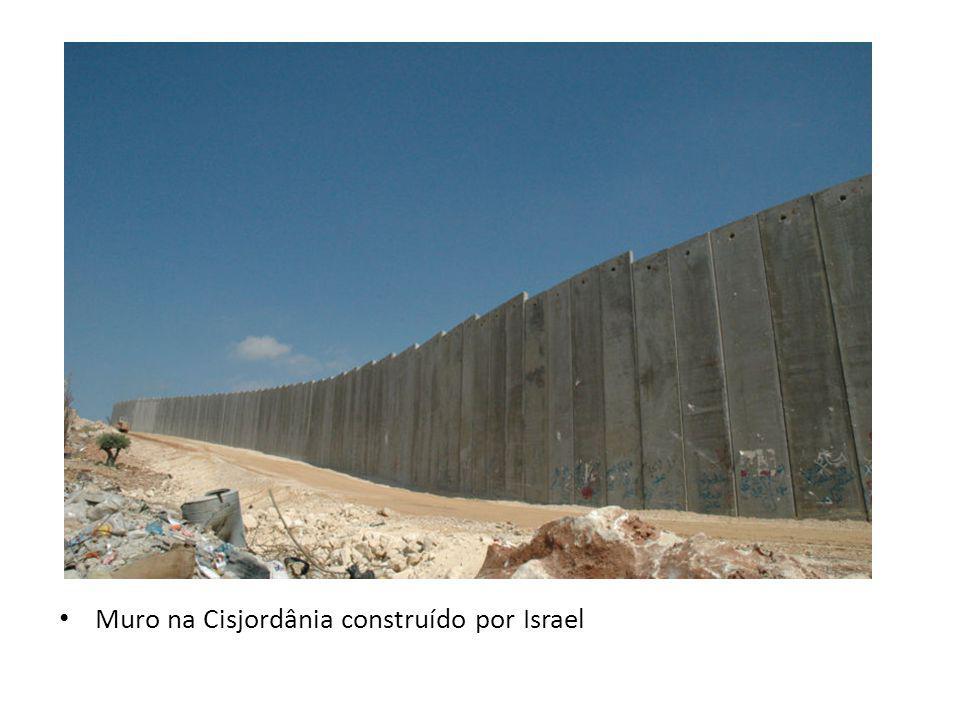 Muro na Cisjordânia construído por Israel