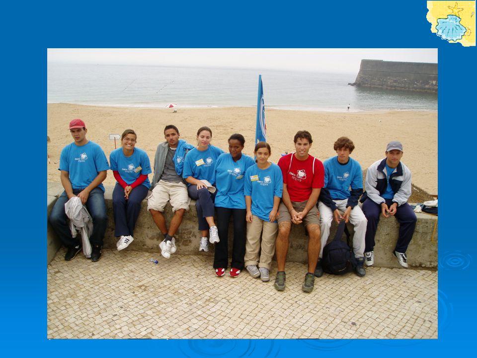 - Acções de educação junto da população; - Criação de espaços recreativos próprios; - Ateliers de trabalho na praia para crianças e famílias; - Consciencialização por parte dos jovens sobre a problemática da praia