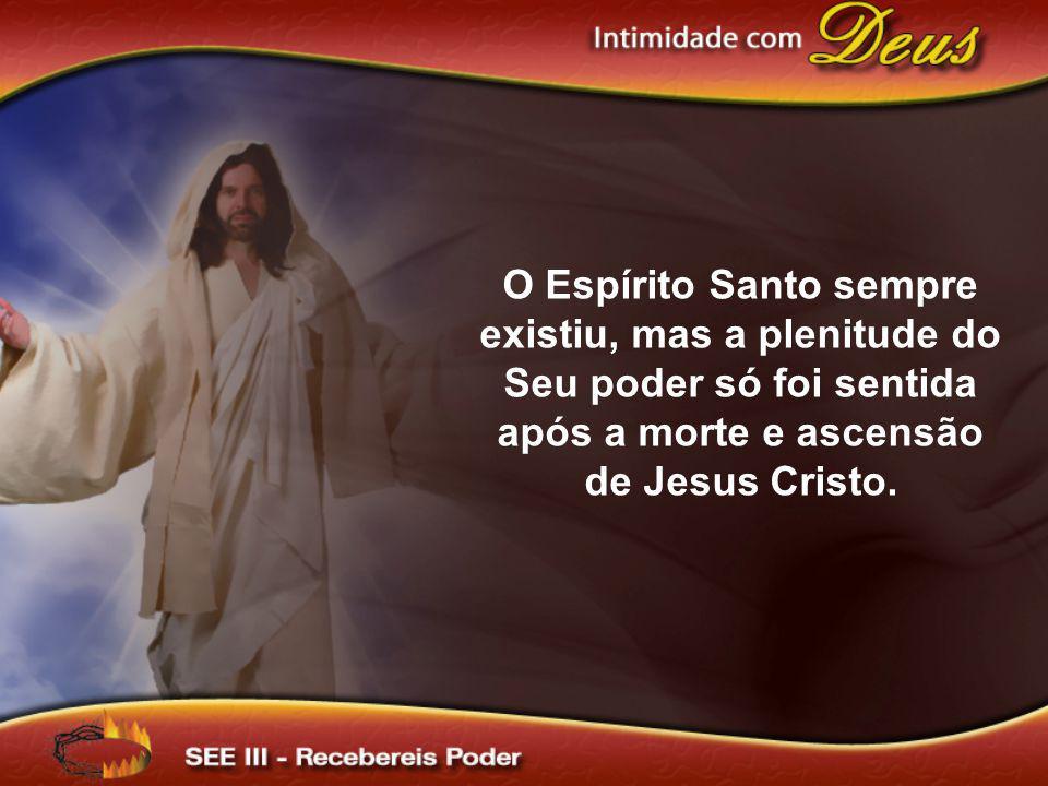 Ao transpor as portas celestiais, foi Jesus entronizado em meio a adoração dos anjos.