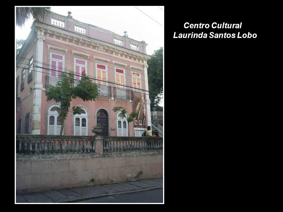 Paschoal Carlos Magno foi um grande incentivador das artes cênicas. Sua casa que hoje pertence à Funarte, abriga também o pequeno teatro Duse