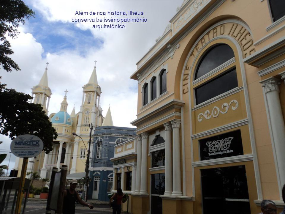Ilhéus fica 350km ao sul de Salvador.